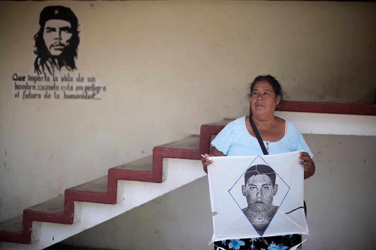 Yolanda, la madre de Jonás, en Ayotzinapa. Foto: Eduardo Miranda
