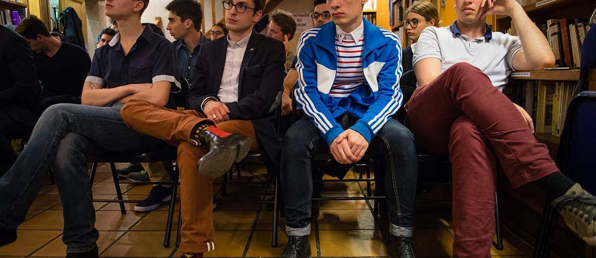 Reunión de la juventud del Frente Nacional en plena campaña por la elección presidencial. Foto: Hugo Passarello
