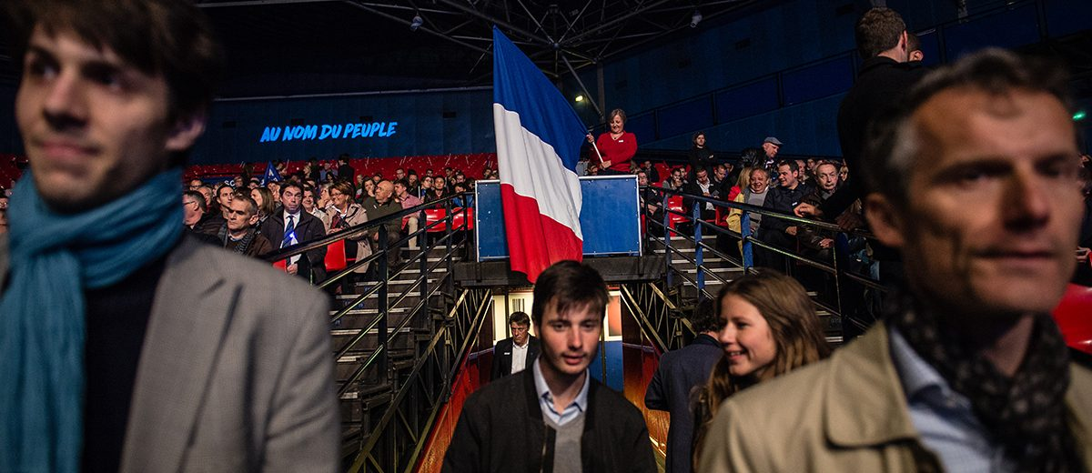 Alrededor de 4,000 simpatizantes llenaron la sala Zenith en París para recibir a Marine Le Pen. Foto: Hugo Passarello