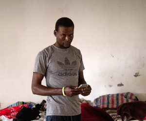 Un haitiano varado en Tijuana. Foto: Dahian Cifuentes