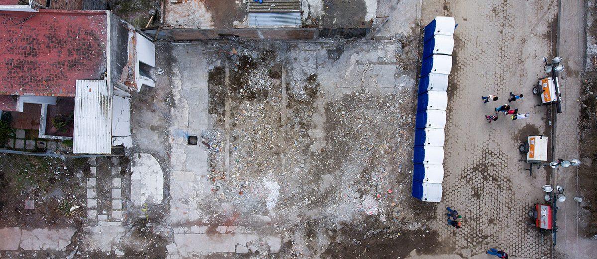 Avenida México 47, Xochimilco. El terreno donde se derrumbó un local comercial de 2 niveles. 2 muertos. Foto: Alejandro Saldívar