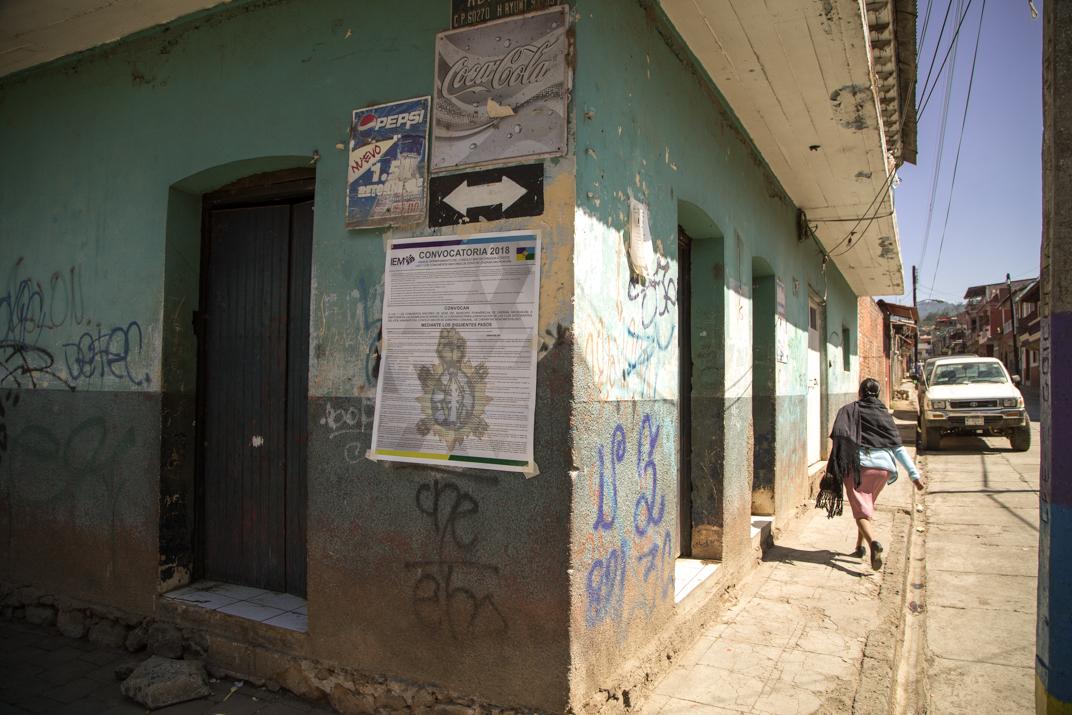 La convocatoria emitida es pública y se coloca en casi todas las paredes de la comunidad. Foto: Heriberto Paredes