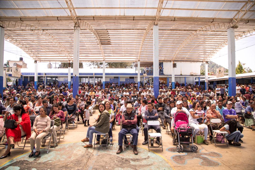 En el barrio segundo asistieron al proceso poco más de mil personas representantes de sus familias. Foto: Heriberto Paredes