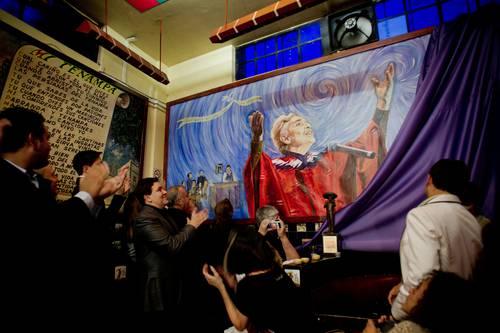 La develación del mural de Chavela Vargas en el Tenampa. Foto: Xinhua