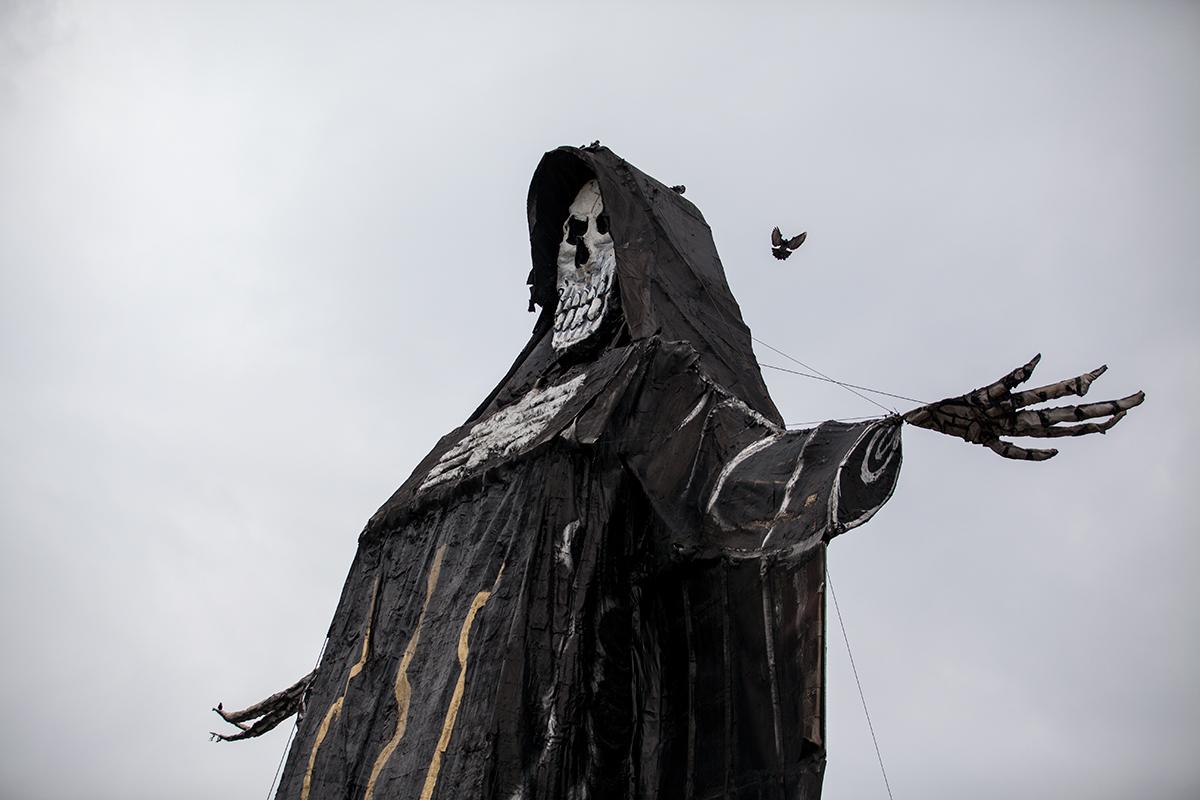 Una escultura monumental de la Santa Muerte en Ecatepec, Estado de México. Foto: Alejandro Saldívar