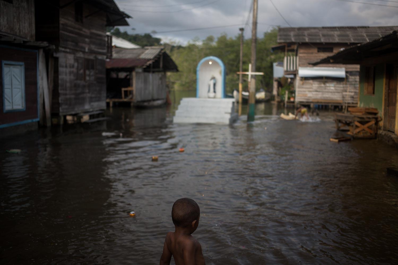 Un niño en la comunidad de Jurubirá en el Golfo de Tribugá. Foto: Iván Castaneira