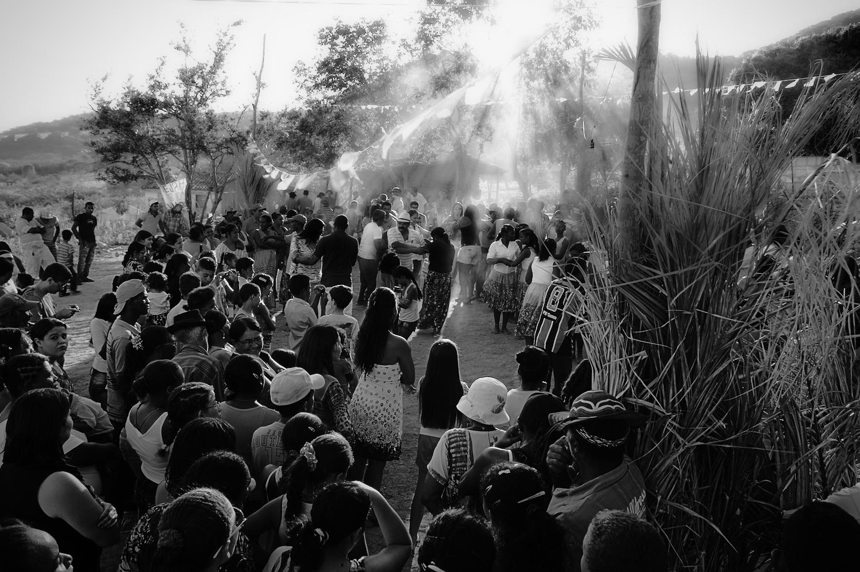 Tradição existente na comunidade desde os tempos do quilombo é a roda de Samba de Coco. Imagem: Thiago Henrique
