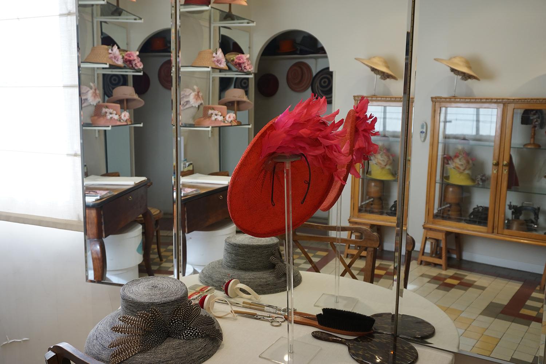 Algunas piezas ya hechas y dispuestas para la venta en el taller. Foto: Rocío Periago