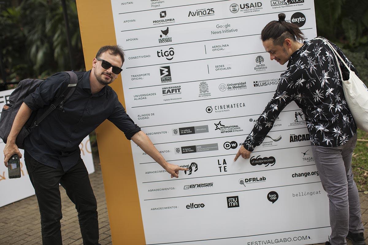 Daniel Wizenberg y Giovanni Jaramillo en el Festival Gabo en Medellín, Colombia.
