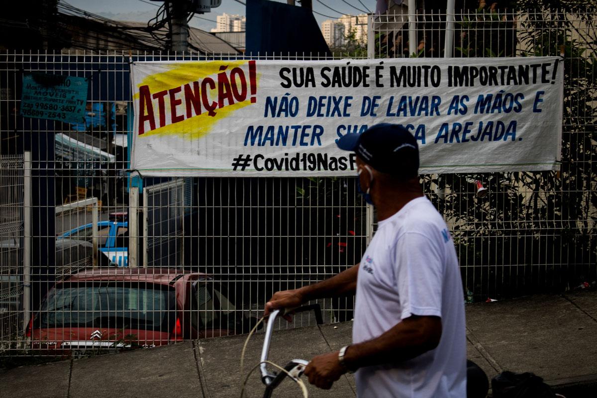 Advertencia de contagio. Foto: Matheus Guimarães