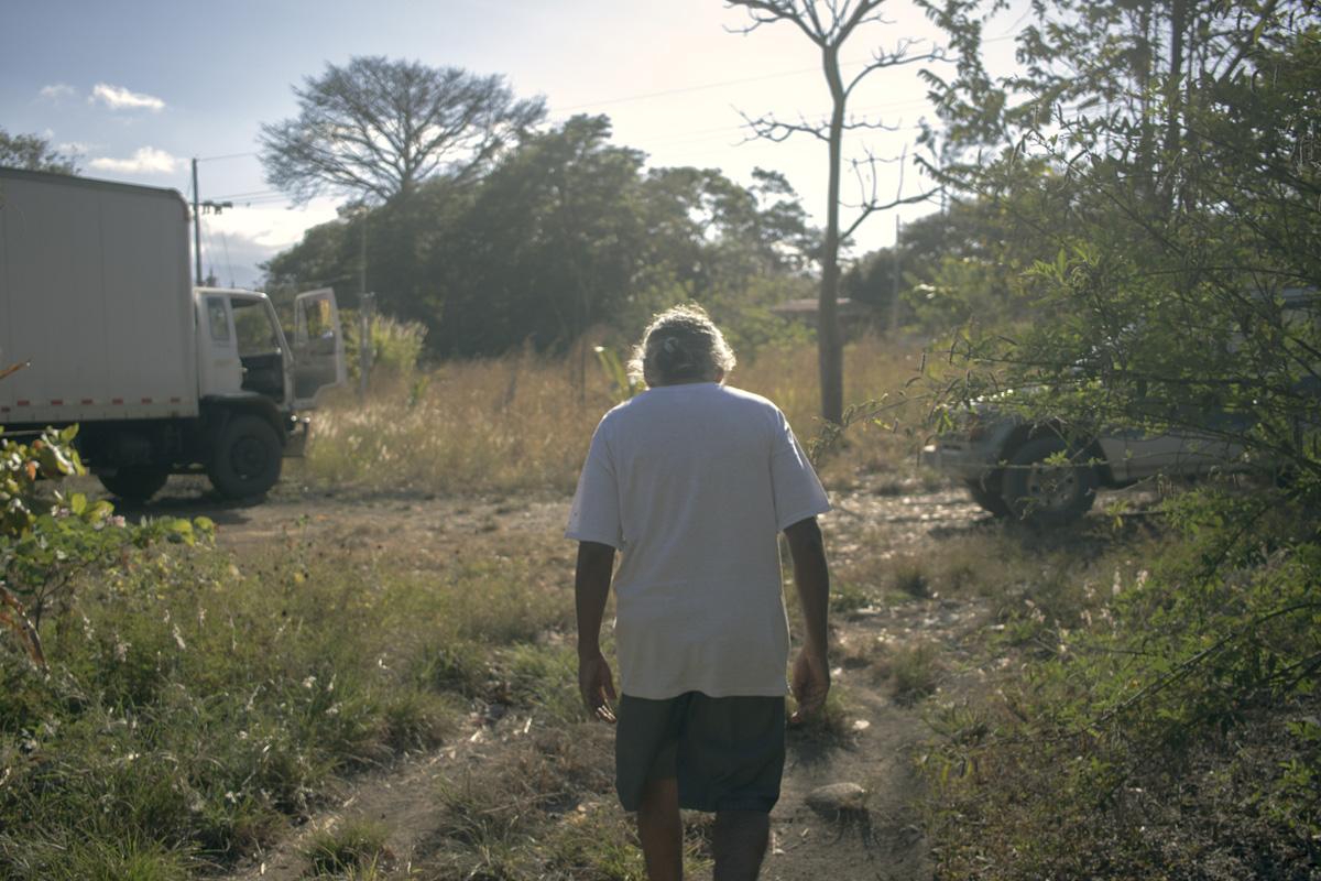 """Pablo Sibar. """"Que nos arrastren en nuestras tierras"""". Foto: Julián Zamora Mora"""